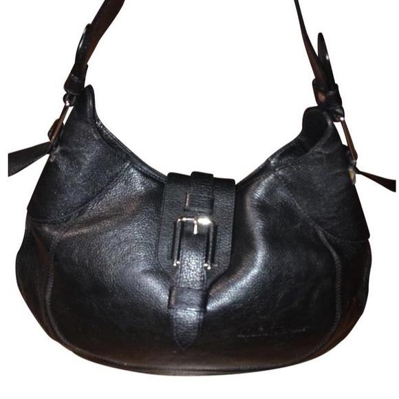 Ferragamo Black Leather Hobo Shoulder Bag. M 5a56f943a6e3ea96430083b1 513723a847201